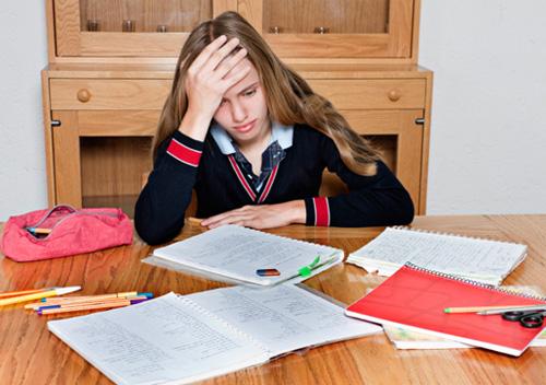 áp lực h�c tập gây r�i nhi�u tâm trí trẻ em