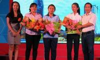 """Học bổng """"Tiếp sức đến trường"""" - TPHCM: OTiV tặng học bổng đặc biệt cho 3 tấm gương vượt khó"""