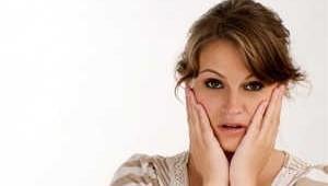 Phụ nữ hay lo lắng, ghen tuông có nguy cơ cao mắc bệnh Alzheimer