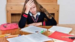 Áp lực học tập khiến trẻ dễ bị rối nhiễu tâm trí