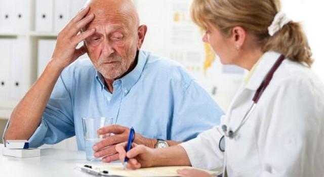Nếu đang có dấu hiệu suy giảm trí nhớ, bạn cần đề phòng teo não ngay từ bây giờ