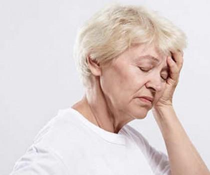 Những lưu ý trong phòng và điều cải thiện bệnh đau đầu ở người cao tuổi